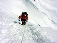 ネパール側の氷柱は小さい?