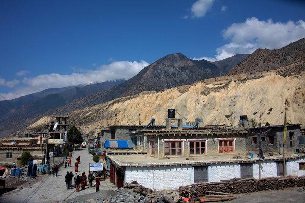 まるでチベットの町.jpg
