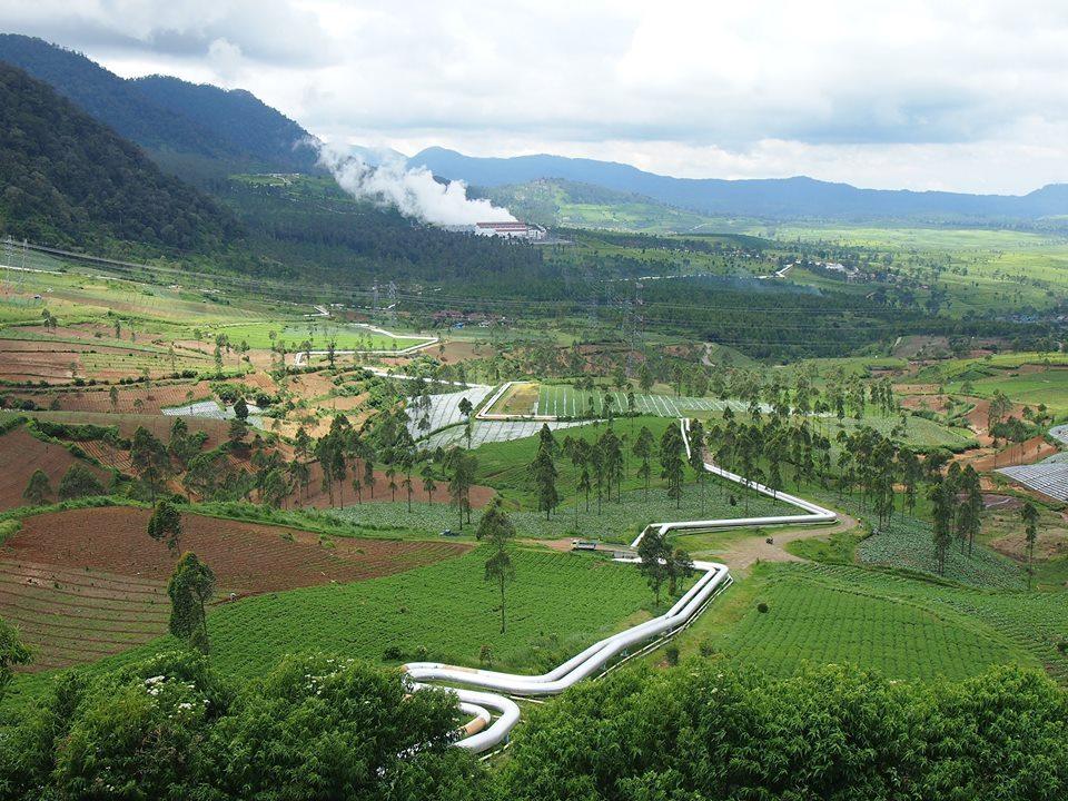 インドネシアの地熱発電所