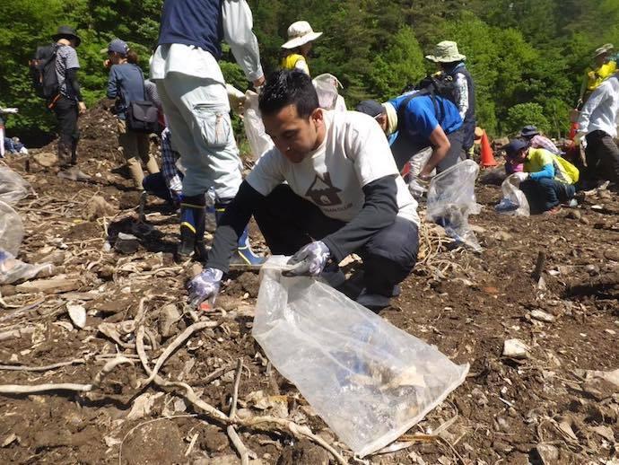 ウパカル 富士山清掃の様子
