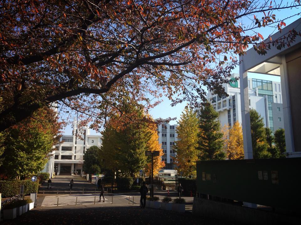 亜細亜大学で講演