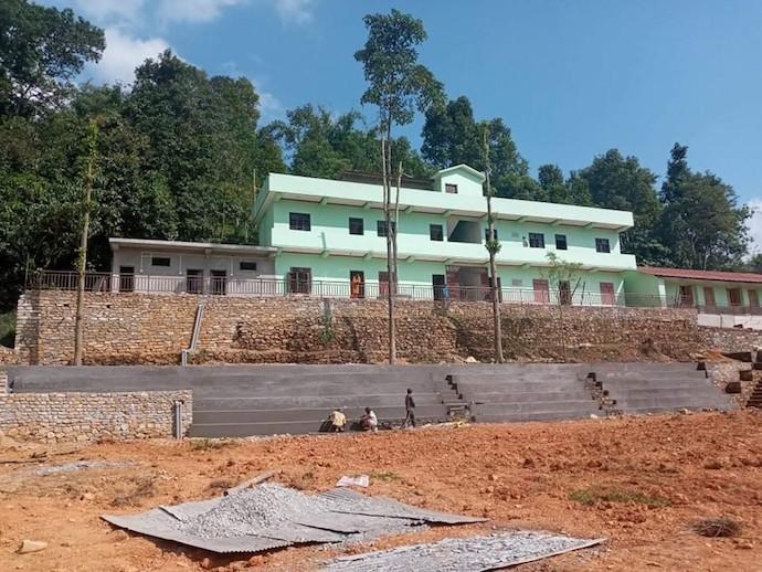 工事中のポカラの小学校