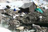 このテントも近々、引っ越さなければならない
