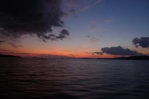 瀬戸内海に沈む夕日にうっとり