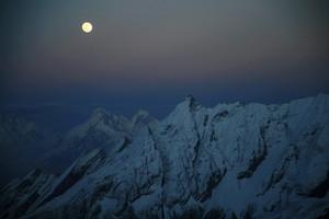 ヒマラヤの満月