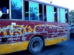 キズだらけのバス