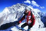 山頂から魚眼レンズで撮影・後ろはロンツェ峰