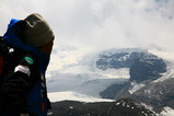 メララ付近から雲の中のメラピーク山頂を眺める。