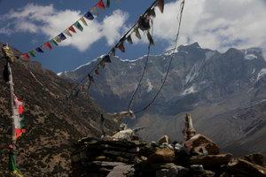 マナン村先からのチュルー西峰。