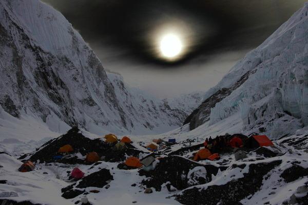 どす黒い夕日とキャンプ2