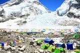 エベレストベースキャンプ・後ろはアイスフォール