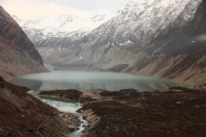 ツラギ氷河湖全容