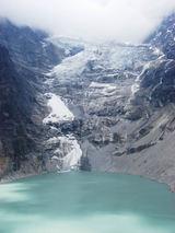 サバイ湖に流れ込む氷河.jpg