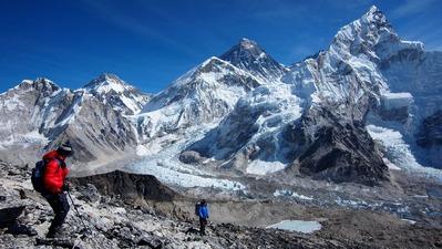 登頂後は慎重に一歩一歩下る