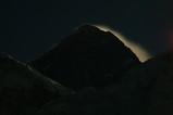 月光に燃えるエベレスト
