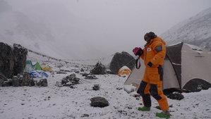 キャンプ1から戻ってきたら再び雪
