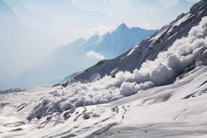 雪崩の瞬間