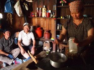 村の茶店にて