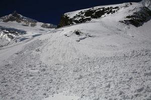 雪崩の跡(デブリ)