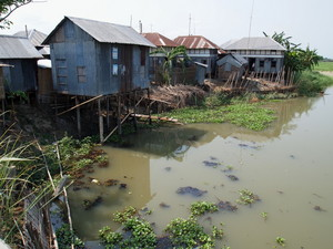 土地を失った人たちの難民キャンプ