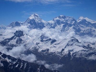 マナスル峰が見える(左奥)撮影野口