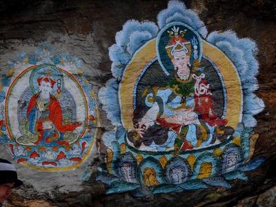 5番 エベレスト街道には至る所にラマ教の壁画がある